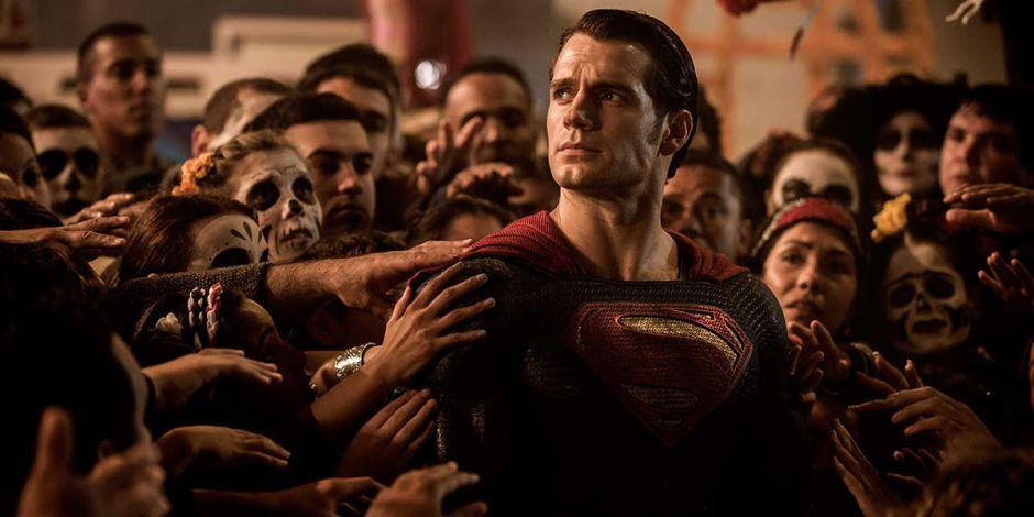Batman-v-Superman-Henry-Cavill-Grounded