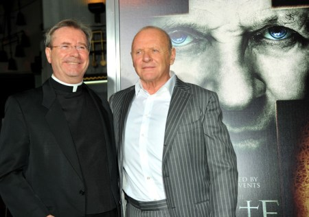 Fr-Gary-Thomas-con-Anthony-Hopkins