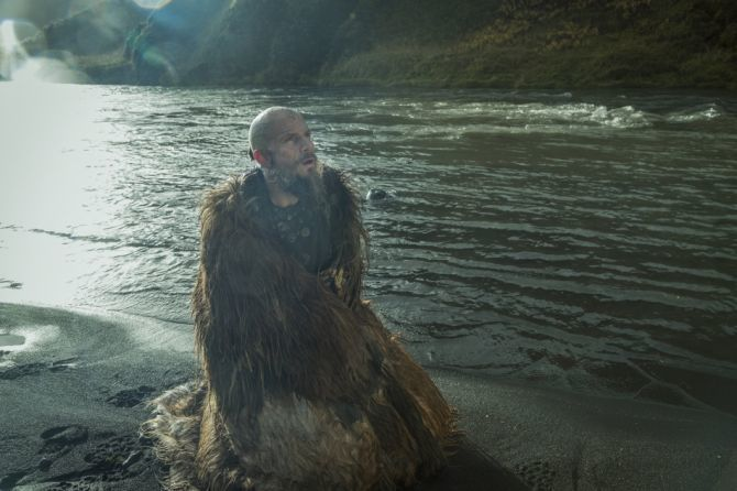 History-Channels-Vikings-Season-5-premiere-Episode-1-The-Departed-Floki-670x446