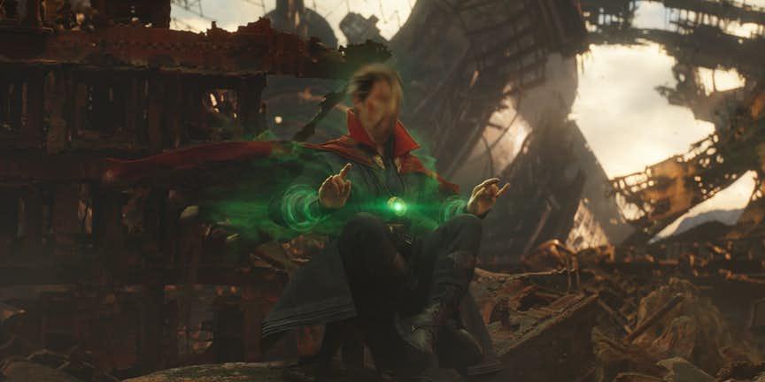 Avengers-Infinity-War-Doctor-Strange-Time-Stone.jpg