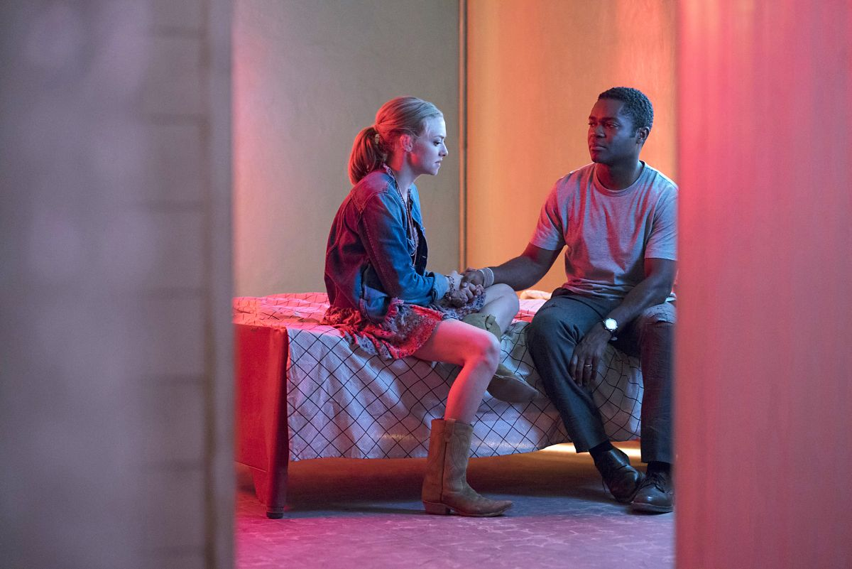charlize-theron-amanda-seyfried-and-thandie-newton-gringo-movie-stills-and-posters-3.jpg