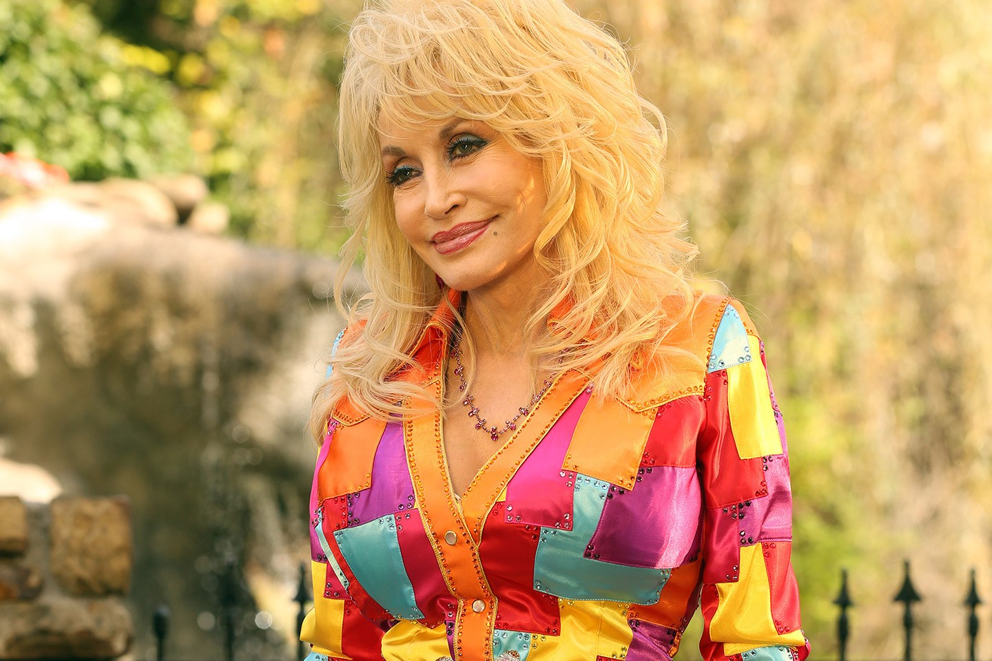 t-dolly-parton-coat-of-many-colors-02.jpg