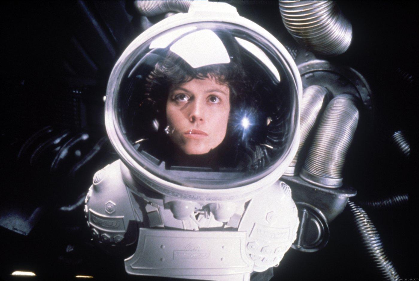 alien-1979-sigourney-weaver-photo-2.jpg