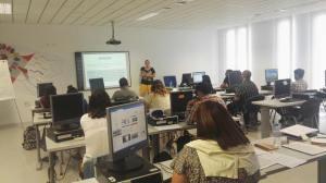 Impartiendo el taller sobre marca personal y knowmads en Lanzadera de empleo y emprendimiento Torrent