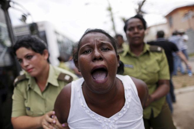 Represión a Damas de Blanco en Cuba