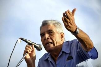 Guillermo-Rodríguez-Rivera c su microfono