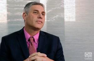 """Arturo López-Levy: """"Raúl Castro caminó """"la milla extra"""" para no ser responsable por dinámicas de ruptura"""""""