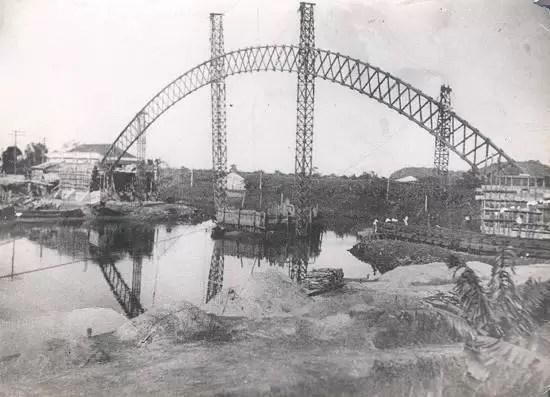 A ponte que quase afundou. cfoto007n
