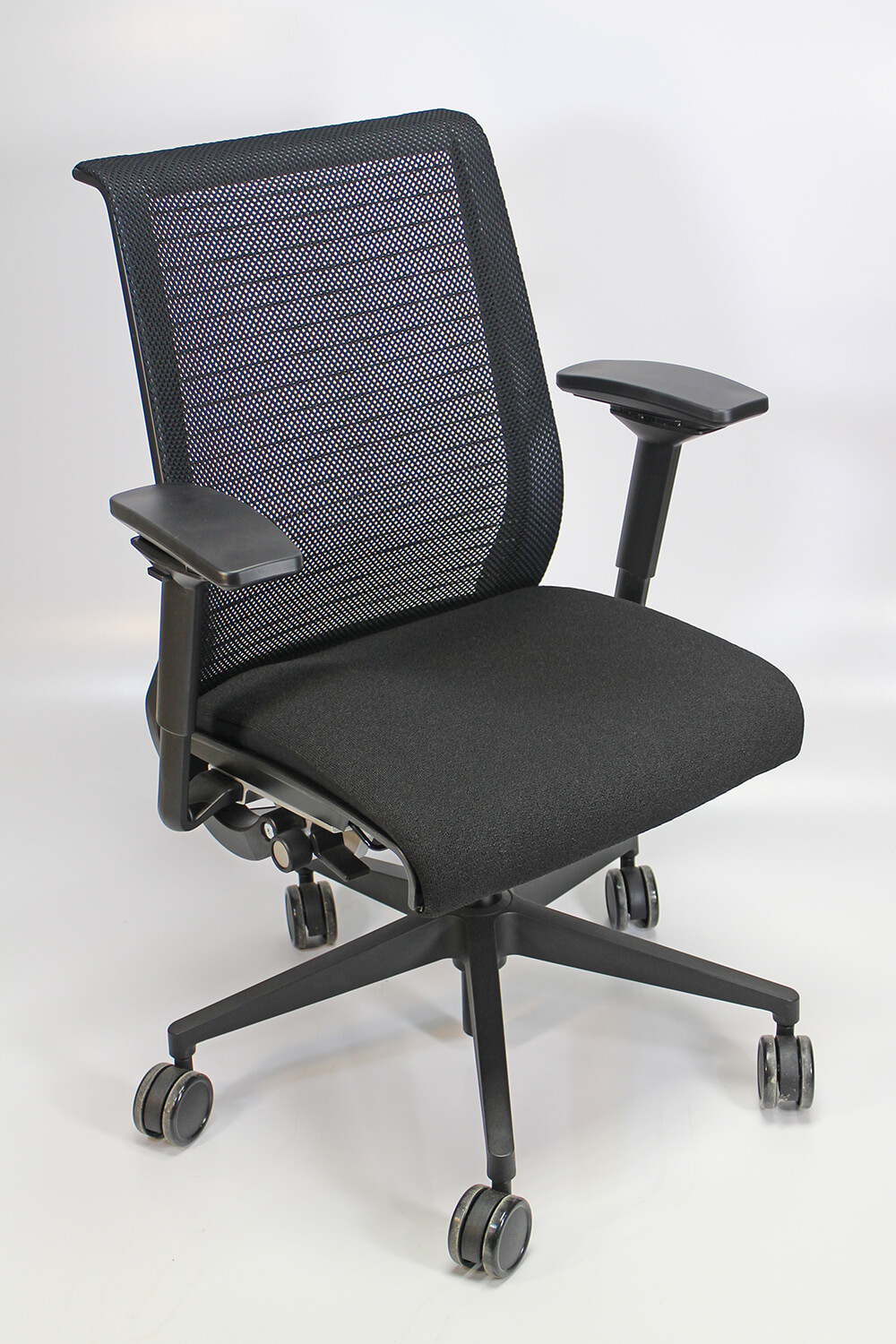 Steelcase Think Chair Steelcase Think Chair Remanufactured