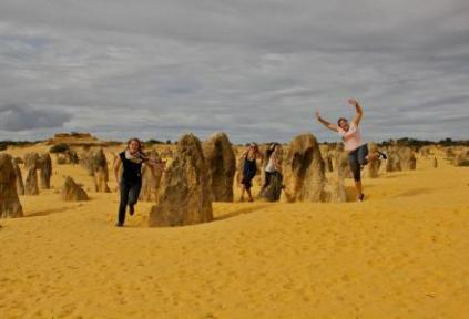 australia-perth-by-bessie-rose-delahunt-charlies-angels-murdoch-exchange-spring-2012