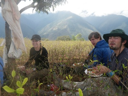 boliviags_by-lex-mobley-students-eating-2013