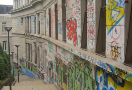 chile-valparaiso-by-kara-gordon-graffiti