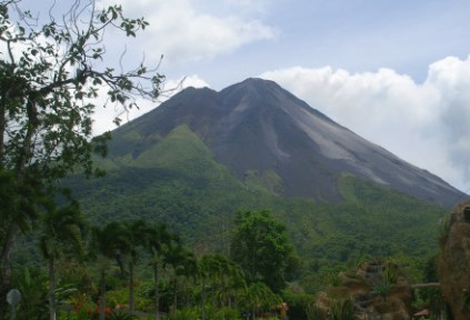costa-rica-arena-by-isa-arenal-volcano-2009