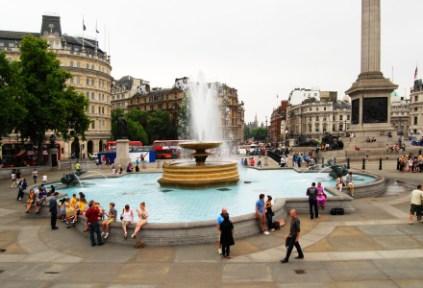 england-london-by-claudia-casbarian-busy-day-trafalgar-square-20111