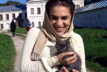 russia-by-ciee-sonya-visiting-with-the-monasterys-resident-kitten-2006