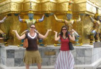 thailand-by-laura-entin-students-at-the-grand-palace-2006