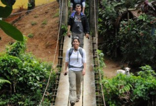 brazilgs_photographer-unknown-students-in-quilombo-cambury-community-embedded-in-the-coastal-state-park-2011