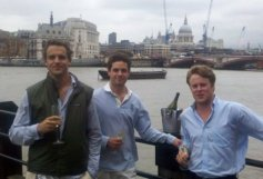 londonfinancegs_by-erik-toll-enjoying-the-champage-overlooking-the-thames-2011