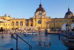 hungary-budapest-by-kelsey-lanning-szechenyi-baths2-spring-2012