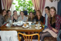 sweden-uppsala-by-kimbyrle-braun-fika-a-swedish-tradition-with-girls-from-all-over-europe-spring-2012