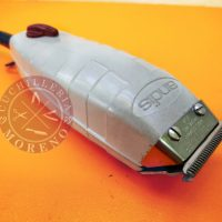 ▶️ Afilado de cuchillas de una máquina cortapelos perfiladora Andis Outliner