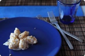 Gnocchi di zucca con fonduta e nocciole