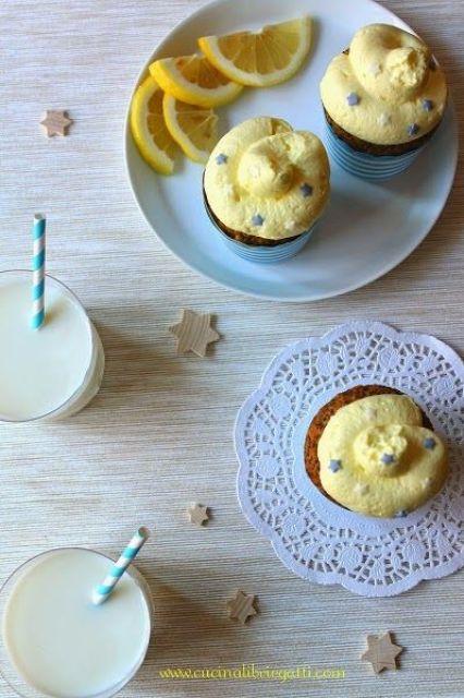 cupcake limone e semi di papavero con frosting al limoncello