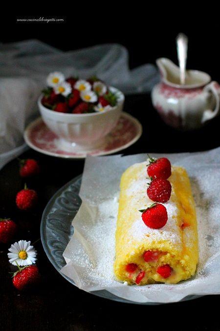 Rotolo con crema al limone e fragole