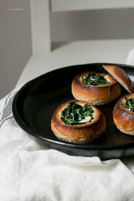 Panini ripieni al forno con spinaci