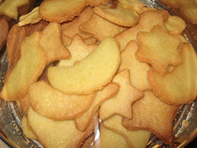 Biscotti di pasta frolla di varie forme ricetta