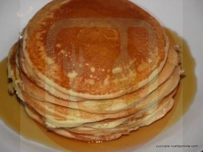 pancake_con_sciroppo_d_acero