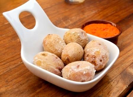 Un'alternativa al pane dalle Canarie: Papas arrugadas: patate rugose