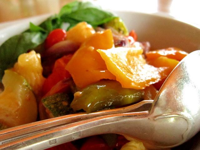 Stufato di peperoni e zucchine – soluzione di emergenza