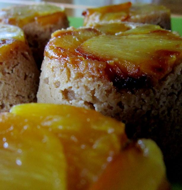 Tortine di ananas e cocco