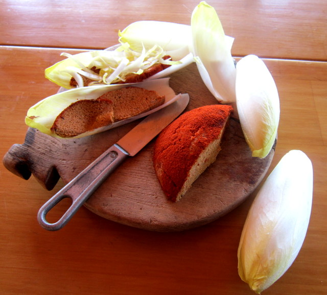 Formaggio vegan crudista alla paprika dolce