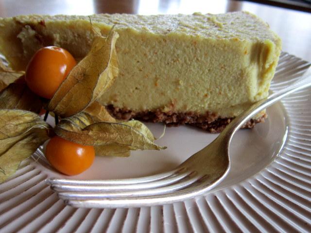 Torta crudista all'arancia