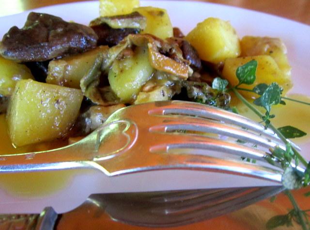 Funghi e patate stufati, alla nepitella