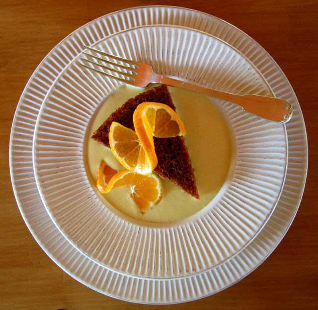 Torta di mandarini veg e gluten free, con crema cruda di mandarini.