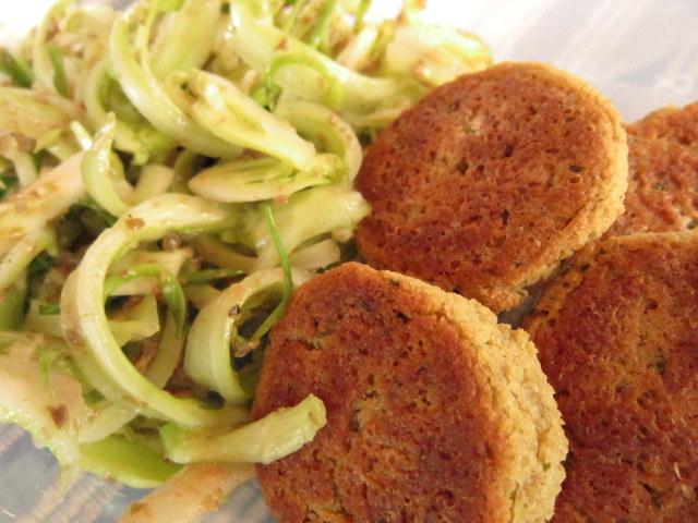 Falafel di Fave. Polpettine vegetali alle spezie. Aromi di Medio Oriente