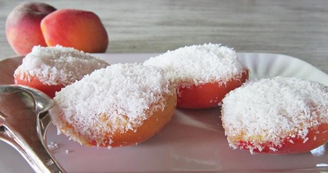 Dessert crudista di albicocche e pesche