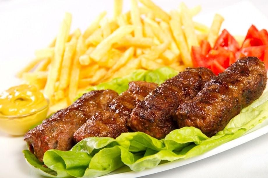 Mici Piccoli piatto tipico rumeno  Il meglio della cucina rumena