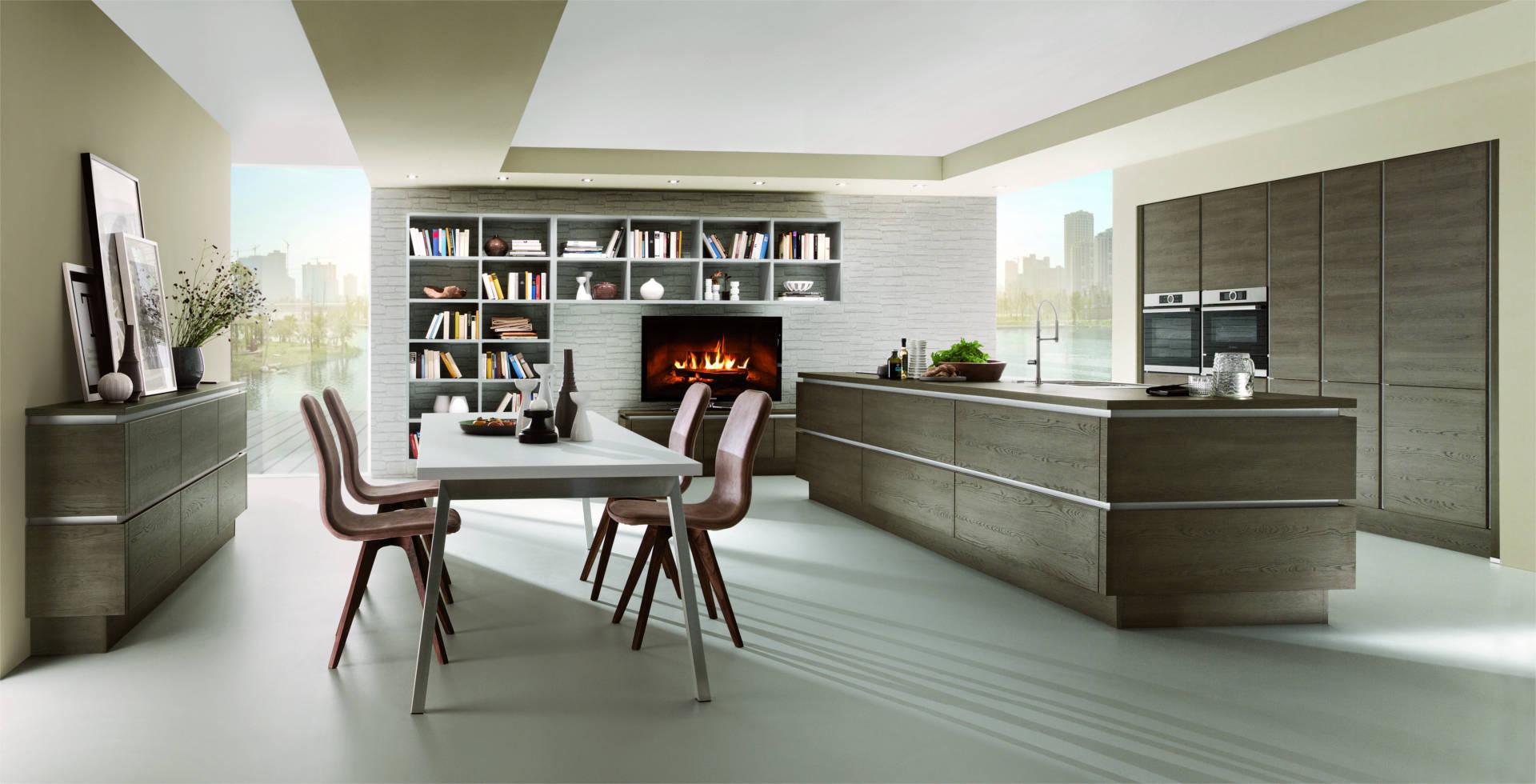 La cucina open space, cioè l'angolo cottura inserito in un unico ambiente aperto con il soggiorno, è una tendenza ormai da anni: Cucine Open Space Con Cucina A Vista E Zona Living Clara Cucine
