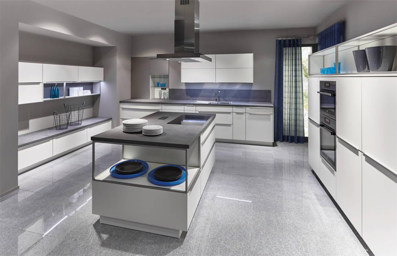 Cucine open space con cucina a vista e zona living  Clara