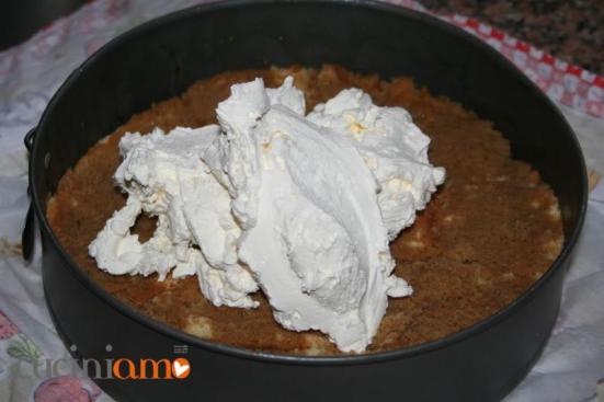 Torta al caffè - passaggio 2 aggiungere la camy cream