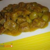 Bocconcini di scamone con zafferano e olive verdi (foto)