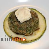 Polpetta vegetariana con hummus e zucchina tonda