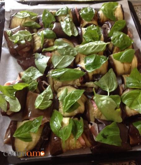 Involtini di melanzane con basilico