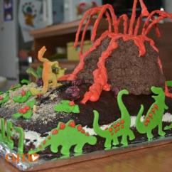 Vulcan Kitchen Metal Studs For Outdoor Torta Vulcano Con Dinosauri - Cuciniamo