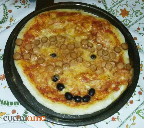 PizzaNinja con wurstel e olive