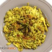 Frittata con asparagi  e cipolle